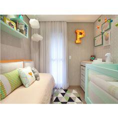 Uma das tendências que mais fizeram sucesso na decoração do quarto do bebê é o uso de luminárias decorativas com a inicial do nome do bebê.  Quem aderiu à essa descolada ideia?