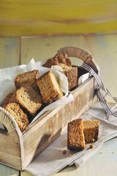 Cinnamon rusks are a sweetly spiced twist on a South African staple. Full of flavour, you& also need a warm cup of tea to enjoy them! Baking Tins, Baking Recipes, Bread Recipes, Rusk Recipe, Milk Tart, South African Recipes, Italian Cookies, Tray Bakes, Food To Make