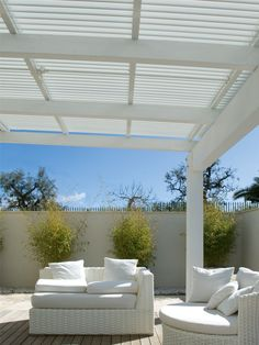 Pergolato in alluminio a lamelle orientabili ONDULA - Frigerio Tende da Sole