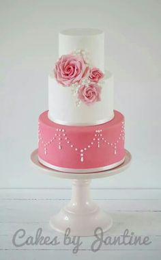 This cake I made last weekend. A cake all the way to my personal taste; white, pink and roses. For the first time worked with icing on a cake. It was not easy, but I'm satisfied. Thanks for watching X Jantine Beautiful Wedding Cakes, Gorgeous Cakes, Pretty Cakes, Cute Cakes, Pink Rose Cake, Pink Roses, Wedding Cake Designs, Wedding Cupcakes, Cake Pictures