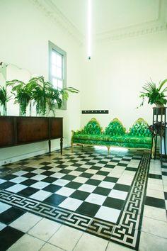 Βohimian chic σκηνικό παρουσίασης της ανοιξιάτικης συλλογής ρούχων της εταιρίας Sisley. Δείτε περισσότερα έργα μας στο http://www.artease.gr/interior-design/emporikoi-xoroi/