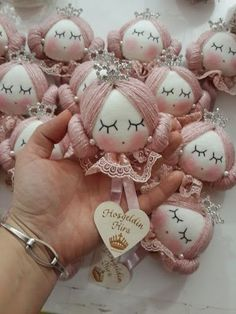 Hand made personalized gifts puppet wedding favors baby favors dolls baby dolls favors gifts hand personalized puppet weddingsewing video tutorial for dolls Doll Crafts, Diy Doll, Diy And Crafts, Crafts For Kids, Baby Favors, Sock Dolls, Sewing Dolls, Doll Hair, Felt Toys
