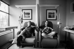 """2016, Long-Term Projects, second prize stories, Nancy Borowick, A Life in Death, January 30, 2013 Howie sits beside his wife Laurel in what he calls their """"his and hers"""" chairs as they get their weekly chemotherapy treatments. A daughter photographs her own parents who were in parallel treatment for stage-four cancer, side by side. The project looks at love, life, and living, in the face of death."""
