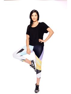 Time to detox and hit refresh on your worn-out workout gear. Whether your practice takes you miles by the beach or HIITs the spot right at home, our Activewear
