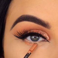 Moden verblassen # 013 Medieninhalte und -analysen - Prom Makeup Ideas - Make Up Makeup 101, Makeup Goals, Makeup Trends, Skin Makeup, Makeup Inspo, Eyeshadow Makeup, Makeup Inspiration, Eyeshadow Ideas, Golden Eyeshadow