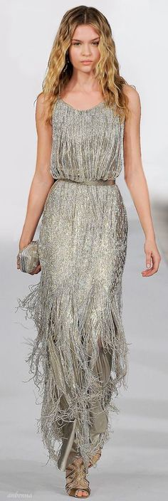 oscar de la renta- gown- silver style- fashion haute couture