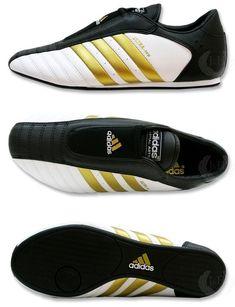 timeless design 42dcd 8a4bf sapatilha adidas taekwondo