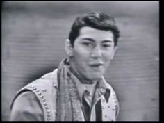 Here is Paul Anka singing the 1959 hit Lonely Boy . the girls are screaming and swooning like it was Frank Sinatra from the or the Beatles from 50s Music, Music Songs, Music Videos, Rock N Roll Music, Rock And Roll, Karel Gott, Musica Pop, American Bandstand, Easy Listening