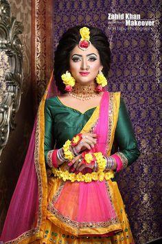 Bangladeshi flower jewellery Bridal Looks, Bridal Style, Wedding Wear, Wedding Bride, Mehndi Dress, Mehendi, Wedding Makeover, Bengali Bride, Haldi Ceremony