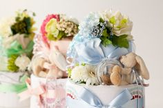 pretty diaper cakes w/aden+anais muslin swaddle | www.pannolini.jp #baby shower