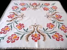 Ecru Vintage cotton square tablecloth floral embroidery by Retroom