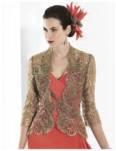 Franc Sarabia — испанский бренд с историей, начавшейся в 1995, когда модельер Franc Sarabia представила свои творения на испанской свадебной выставке Novia Espana de Barсelona в Барселоне. Franc Sarabia предпочитает традиционный белый, но ее наряды выглядят совсем не старомодными. Она придумывает модели, целиком состоящие из гладкого шелка и кружева, и при этом платья не смотрятся скучно.