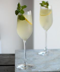 The Mediterranean Sparkling Spring Recipe - This Prosecco and vodka cocktail is an instant crowd pleaser with a refreshing kick. See our our delicious Mediterranean Sparkling Spring recipe now! Prosecco Sparkling Wine, Prosecco Cocktails, Spring Cocktails, Vodka Drinks, Champagne, Beverages, Martinis, Summer Drinks, Sangria