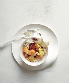 Das herrlich leckere Kaschmir-Früchte-Curry von HILTL überzeugt mit seinem spannend würzigen Geschmack und fruchtiger Note. #gesunderezepte #vegan #frucht Garam Masala, Food Inspiration, Panna Cotta, Oatmeal, Curry, Healthy Recipes, Note, Breakfast, Ethnic Recipes