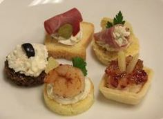 Looking for great wedding appetizer ideas? Appetizers are a great way to keep your reception budget for food at a low cost. Fresh, tasty finger foods, and Hors Doeurves are always a hit most wedding receptions. www.EasyAppetizersOnline.com #wedding food ideas