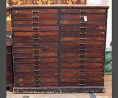 Vintage wood cabinet w/ drawers   ****