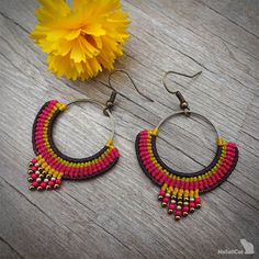 Handcrafted macrame earrings made with Linhasita threads, brass circle element, glass seed beads and earhooks - antique bronze tone. The diameter of the brass circle is 25 mm. Macrame Earrings, Diy Earrings, Crochet Earrings, Hoop Earrings, Micro Macrame, Egyptian Art, Flower Art, Seed Beads, Jewelery