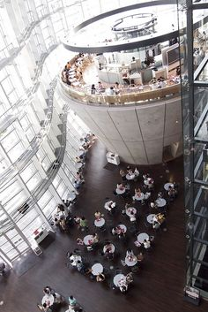Cafe in the National Art Center, Tokyo, Japan 国立新美術館