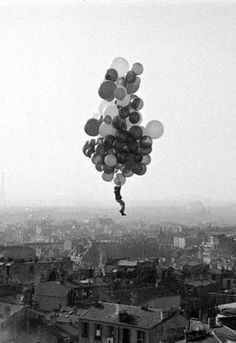 Le Ballon Rouge The Red Balloon - Short Film, Directed by French Filmmaker Albert Lamorisse . Beautiful both visually and. Illusion Kunst, Foto Poster, Red Balloon, Balloon Movie, Ansel Adams, Photomontage, Looks Cool, Black And White Photography, Art Photography