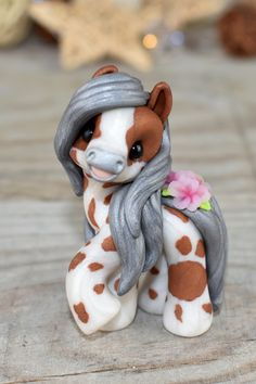 Genuine and original polymer clay sculpture designed and handmade with love by Elisabete Santos Cute Polymer Clay, Polymer Clay Animals, Cute Clay, Polymer Clay Charms, Diy Clay, Clay Crafts, Polymer Clay Sculptures, Polymer Clay Creations, Sculpture Clay