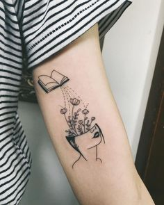 minimalist tattoo meaning Neue Tattoos, Body Art Tattoos, Small Tattoos, Bookish Tattoos, Literary Tattoos, Piercing Tattoo, Piercings, Reader Tattoo, Tattoo Feminin