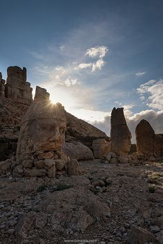 Nemrut Dagi, Kurdistan . Real-life Lord of the Rings sculpture.