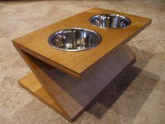 Raised Dog Feeder 1 Qt 8 Inch Double Zee Design por WoodinYou
