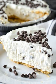An easy and delicious recipe for luscious No-Bake Cannoli Cream Pie filled with cream cheese, ricotta cheese and mini chocolate chips. Desserts No-Bake Cannoli Cream Pie - Mother Thyme Köstliche Desserts, Delicious Desserts, Yummy Food, Valentine Desserts, Easy Italian Desserts, Easter Desserts, Italian Recipes, Cannoli Cream, Cannoli Filling