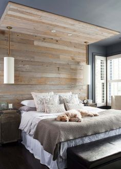 Small Master Bedroom Ideas for Couples Decor. The ideas presented in this article will be of great use while you are preparing to decorate a master bedroom, especially if you have a small master bedroom. Rustic Master Bedroom, Master Bedroom Design, Modern Bedroom, Bedroom Designs, Contemporary Bedroom, Master Bedroom Wood Wall, Natural Bedroom, Master Suite, Master Bedrooms