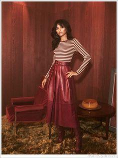 28c8bec5096908 Семидесятые снова в моде  Зендая представила стильную коллекцию для Tommy  Hilfiger Zendaya Fashion