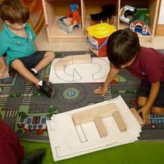 Literacy through interest based play – AHHH Kindergarten :) – epoxycan Block Center Preschool, Preschool Centers, Preschool Classroom, Preschool Learning, Head Start Preschool, Preschool Jobs, Writing Center Preschool, Kinesthetic Learning, Reggio Emilia