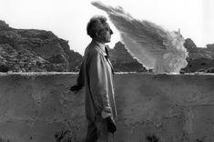 Lucien Clergue,Jean Cocteau and the Sphinx, during filming of 'Testament of Orpheus', Les Baux de Provence, France, 1959  Fuente
