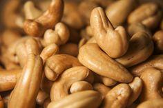 las nueces de la india y sus peligros. Beans, Vegetables, Cooking, Food, Natural, Christmas Ideas, Passion, Graphic Design, Garden