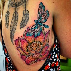 The dragonfly tattoos are colorful and creative. They can be created in multiple shapes to define the beauty and meaning of their interesting lifestyle and activities. Live Tattoo, Back Tattoo, Dragonfly Tattoo Design, Tattoo Designs, Tattoo Ideas, Hipster Tattoo, Lotus Tattoo, Dream Tattoos, Body Mods