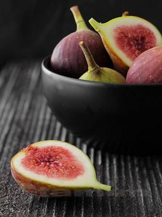 Figs (too late; Ive just finished the fig painting)