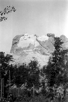 A half-way finished Mount Rushmore in 1933