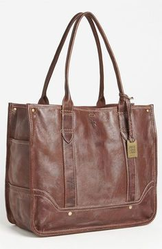 Completely and totally crushing on the Frye tote!