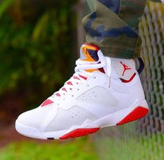 2014 cheap nike shoes for sale info collection off big discount.New nike roshe run,lebron james shoes,authentic jordans and nike foamposites 2014 online. Jordans Retro, Air Jordans, Cheap Jordans, Nike Outfits, Zapatillas Jordan Retro, Sneakers Fashion, Shoes Sneakers, Shoes 2015, Hype Shoes