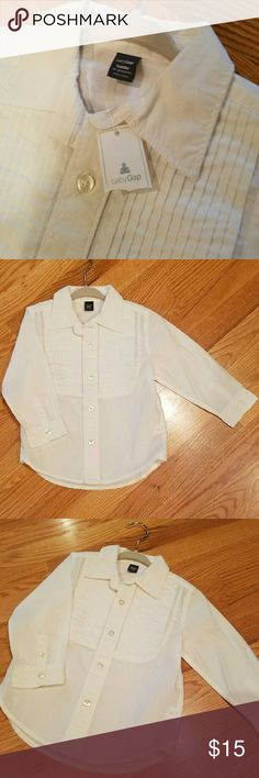 🔥CLEARANCE🔥NWT - White Button-down Dress Shirt NWT - awesome. Bundle for discount. Reasonable offers accepted. GAP Shirts & Tops