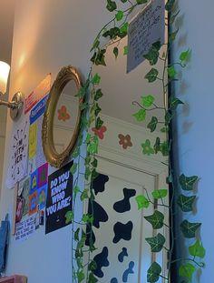 Cute Room Ideas, Cute Room Decor, Indie Room Decor, Room Ideas Bedroom, Bedroom Inspo, Bedroom Decor, Chill Room, Retro Room, Aesthetic Room Decor