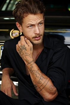 Discover recipes, home ideas, style inspiration and other ideas to try. Torso Tattoos, Tattoos Arm Mann, Boy Tattoos, Arm Tattoos For Guys, Forearm Tattoos, Body Art Tattoos, Sleeve Tattoos, Side Hand Tattoos, Männermodels Tattoo