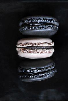 Macarons Pierre Herme, Paris #HelloBlack