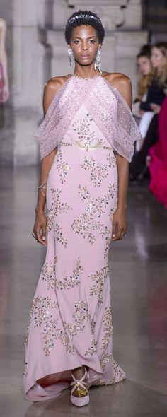Georges Hobeika Printemps-été 2018 - Haute couture - http://fr.orientpalms.com/Georges-Hobeika-7004 - ©ImaxTree