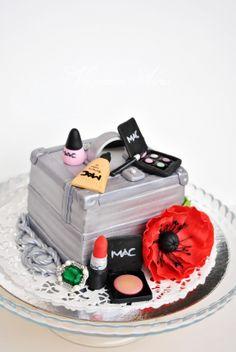 cute make up cake