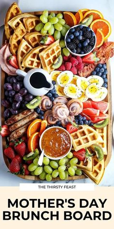 This epic Mother's Day brunch board is full of your favorite breakfast and brunch ideas all on one charcuterie board. It's easy to make for all holidays – includes waffles, fruit, and more! Charcuterie Recipes, Charcuterie Board, Breakfast Platter, Mother's Day Breakfast, Breakfast Picnic, Party Food Platters, Brunch Party, Brunch Table, Brunch Food