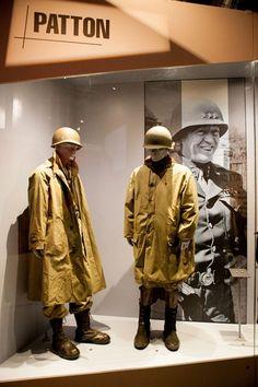 Diorama en el Bastogne War Museum con la imagen del General Patton al fondo