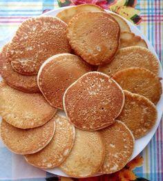 Лучшая идея для семейного завтрака. Оладушки — это быстро, вкусно и детки очень любят.  Продукты: 1 стакан молока, 1 стакан муки, 1/2 ч. л. соды, 2 ч. л. сахара, щепотка соли, 1 ч. л. растительного масла. Приготовление: Молоко подогреть, растворить в нем сахар, соль, соду. Затем постепенно вводить муку, тщательно помешивая венчиком (муки может …