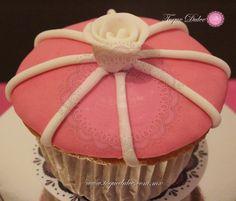 Cupcake flor clásica con toque moderno!
