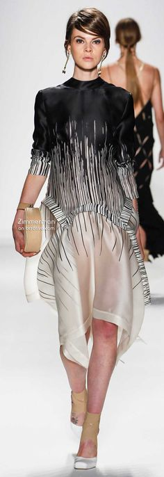 This is so glamorous and yet looks ridiculously comfy! Zimmermann Spring 2014 New York Fashion Week Couture Fashion, Runway Fashion, Fashion Show, Fashion Design, Fashion Moda, Womens Fashion, White Fashion, New York Fashion, Paris Fashion