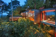 Award Winning Brake #House in New Zealand by Ron Sang